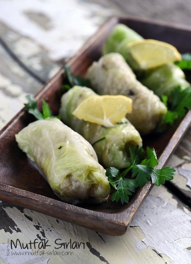Zeytinyağlı Lahana Sarması Tarifi | Mutfak Sırları