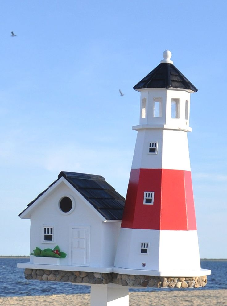 This lighthouse birdhouse is a spot-on replica of the famous Montauk Point Light located at the easternmost point of Long Island, New York. Construction of the lighthouse was authorized by none other