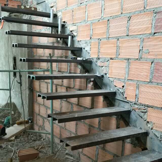 Las 25 mejores ideas sobre escaleras flotantes en for Construccion de escaleras de concreto armado