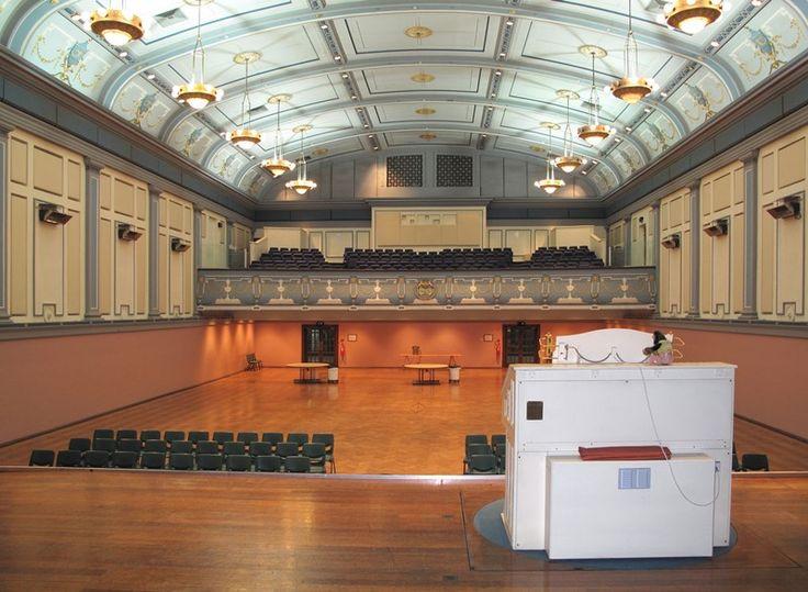 61843. Malvern Town Hall showing Compton organ.