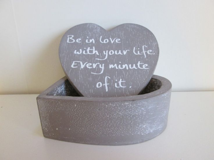 "Hartdoosje ""Be in love"", 12 cm in de kleur taupe  www.hkhomecollection.nl"