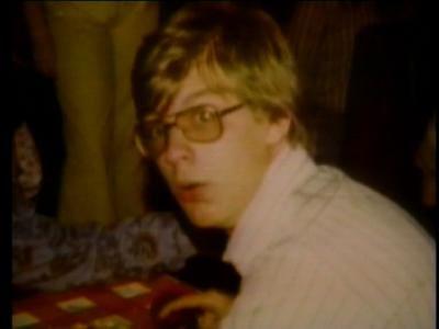 Un joven Jeffrey Dahmer, criado en una buena familia y sin problemas aparentes...