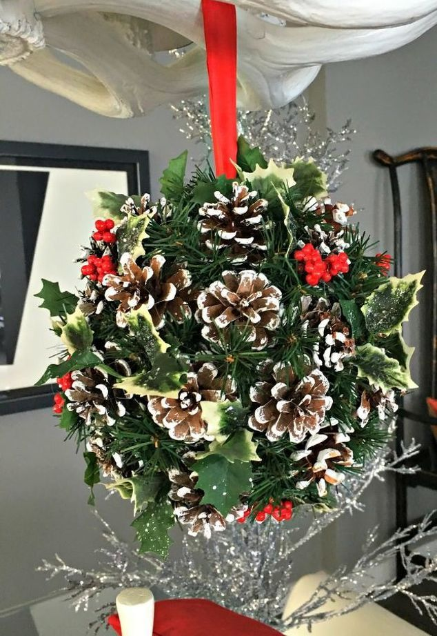 Make a Christmas Kissing Ball | Hometalk