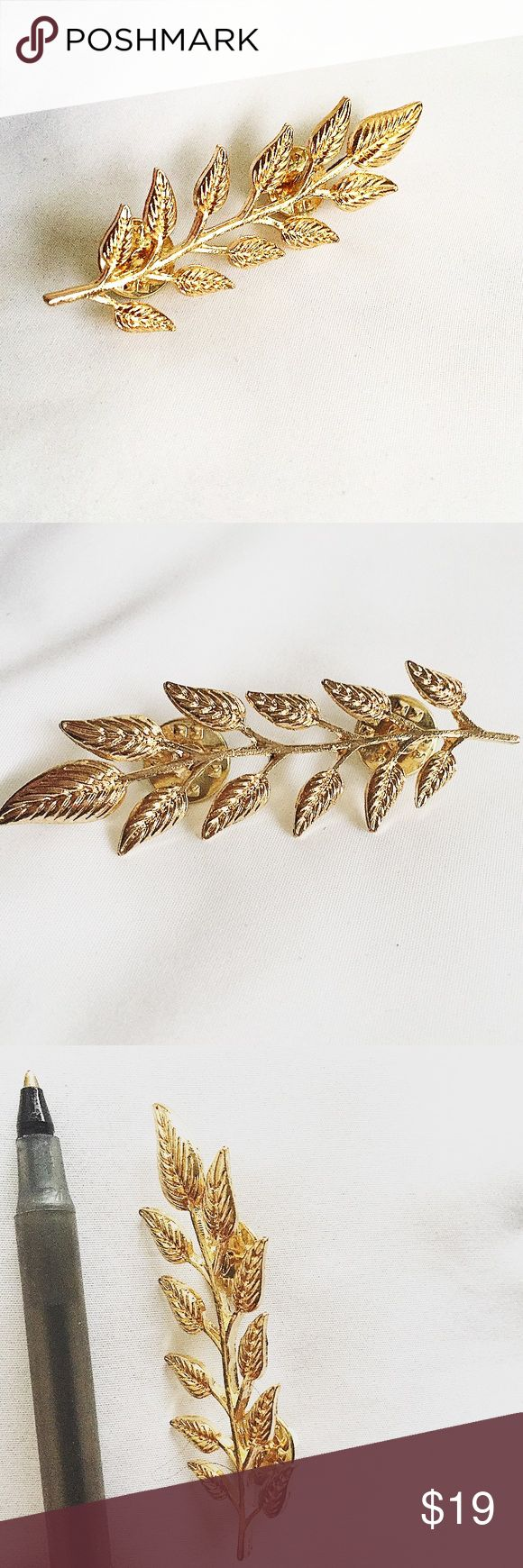 🌟gold leaf 🍂brooch | 5 for $25 SALE ‼️ 🌟 5 for $25 jewelry deal : pick 5 accessories marked with 🌟 symbol > add to bundle > make offer for $25! Or buy separately at full price  🛍Next day shipping 🛍No trades 🛍No returns Jewelry Brooches