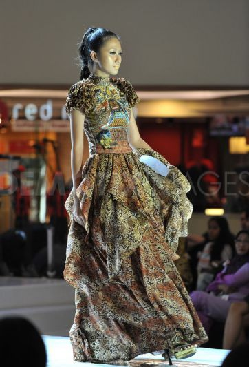 batik in surabaya fashion parade 6