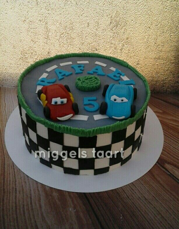 Cars race cake
