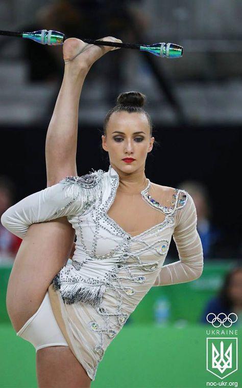 Los mejores #Maillots de gimnasia #Rítmica que hemos visto en los #JJOO2016 de rio. No te pierdas los que más destacaron en las olimpiadas. Ganna-Rizatdinova-leotard-2