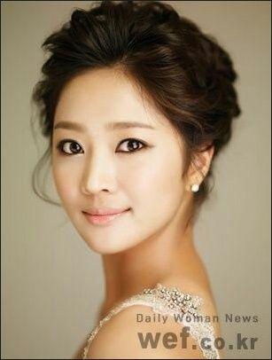 korean bridal updo