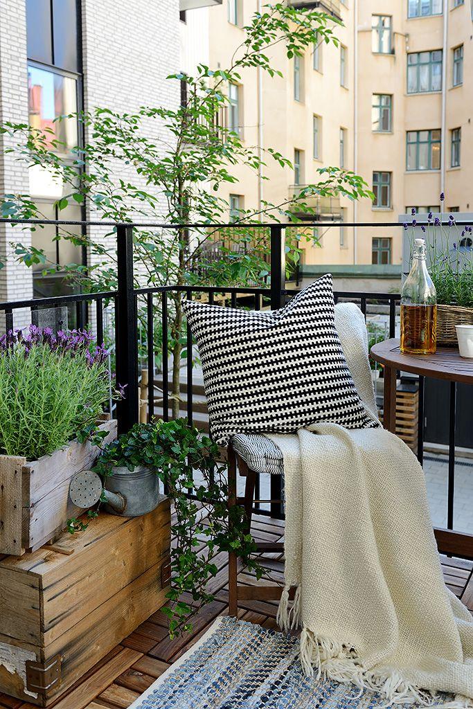 Un balcon aux airs de jardinet !