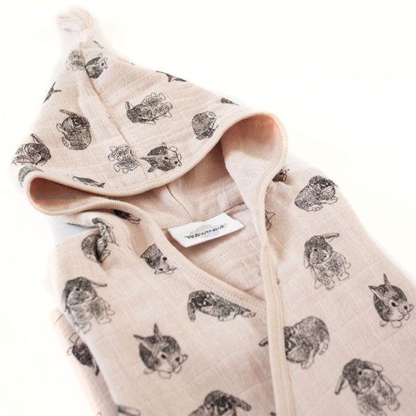 Peignoir de bain Pepin - lapins rose MOUMOUT. Peignoir de bain pour enfant en mousseline de coton naturelle. Peignoir kimono enfant, doux, pratique. Livraison soignée l www.little-home.fr