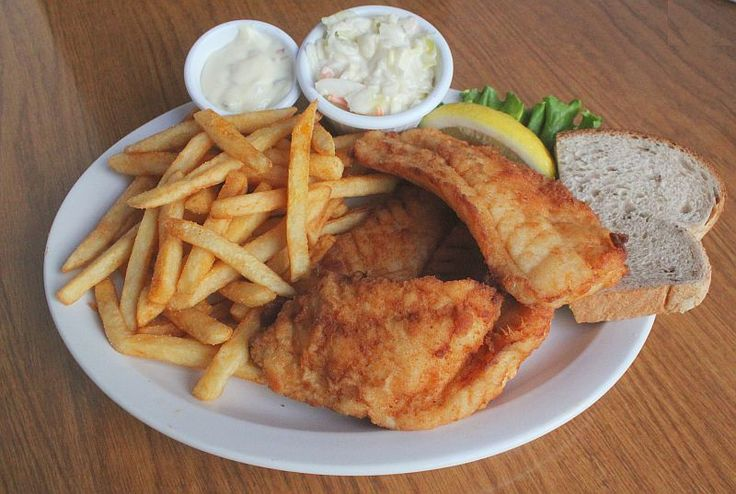 Cod fish fry from buck bradley 39 s 1019 old world 3rd st in for Best fish fry milwaukee