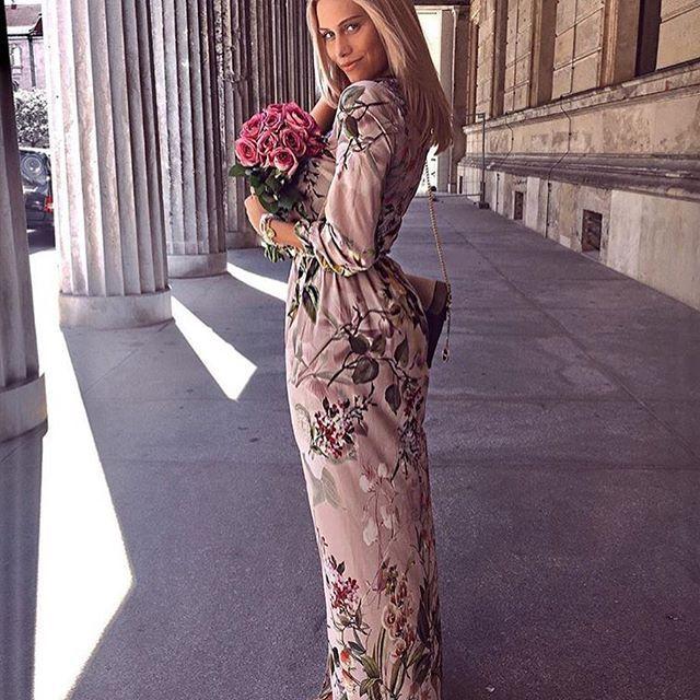 @tiaravanessaa postawila na naszą kwiatową MAXI ❤️❤️❤️ Prawda, że wygląda bosko 😍😍😍? Rabat dla Was trwa! Hasło: lato2017 ➡️➡️➡️8% i darmowa wysyłka😊😊😊#wwwmosquitopl #onlinestore #shoppingtime #onlineshopping #ootd #zakupy #summer #sukienka #sukienkanalato #sukienkamosquito #sukienkanawakacje #sukienkawkwiaty #mosquitopl #blogger #stylizacja #madeinpoland #taniej #rabat #promocja #niedziela #lazyday #positivevibes
