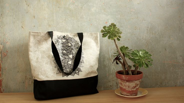 Linen tote bag with leather handles. By Malene Zapffe www.malenezapffe.com