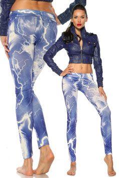 Een mooi aansluitende print legging in een moderne blauwe stijl.