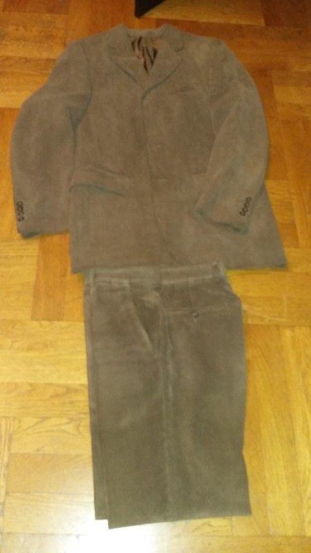 0253615c913b2 Costume homme fine côte de velour | Vinted | Costume homme, Costume ...