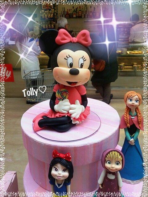 #caketopper #actionfigure #cake #figurine #handmade by #tollykawaiiaccessories #statue #decorazioni #torta #gadget #fattoamano #fake #cakes #cakedesigner #disney #cartoon #compleanno #bimba #statuetta in #minniemouse #minnie #topolino