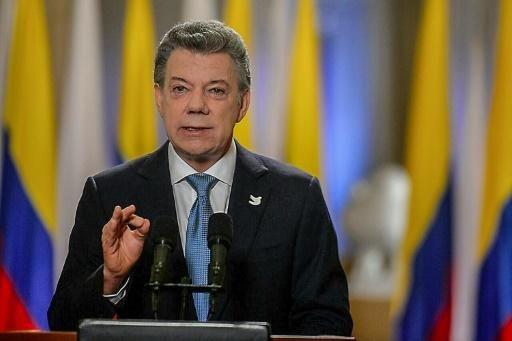 La guérilla des Farc et le gouvernement colombien ont signé samedi un nouveau traité à La Havane pour tenter de sauver la paix, après le rejet par référendum