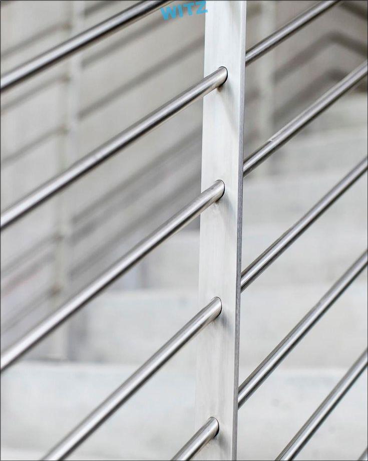 Latitüde-Balustradendetail. Wir eröffnen eine Warteschlange von Balustradendes…