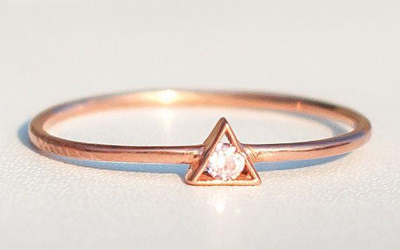 Thin Rose Gold Ring  Triangle Ring  Birthstone Ring von eleajewelry