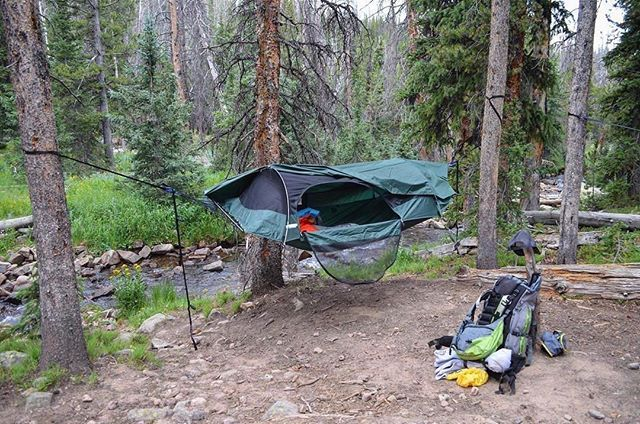 This is one of the coolest #hammocks I've seen because of the design #1, but also because if you don't have any trees, it sets up on the ground  like a 1 man tent. Compact & light, this is perfect for #ADVcamping! : @kovasp #outdoors #adventure #hammock #hammocklife #tent #camp #camping #hike #hiking #utah #stream #mountains #exploreutah #adv #wildernessculture #lawsonhammock
