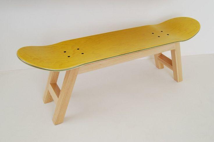 Super Idee als Bank zum Schuhe anziehen! Board Bank kreative Wohnzimmer Dekor junge, gelb von SKATE-HOME auf DaWanda.com