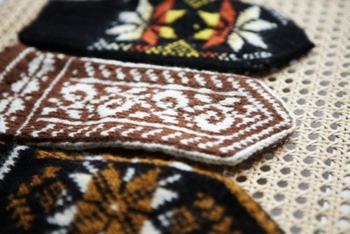 more lithuanian mittens.: Middle Patterns, Patterns Lithuanian, Folk Patterns, Knits Patterns