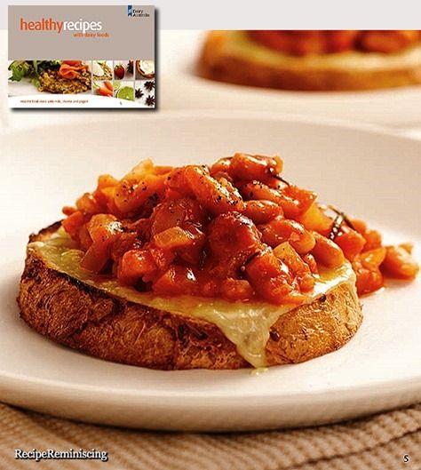 Homemade Baked Beans with Grilled Cheese / Hjemmelagde Bakte Bønner med Grillet Ost