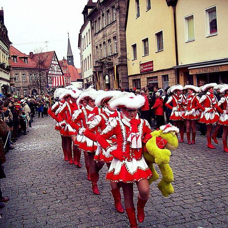 Imágenes del Mundo: Carnaval de la ciudad de Colonia (Alemania)... #cibervlachoimagenesdelmundo Visita mi Blog: http://cibervlacho.blogspot.com