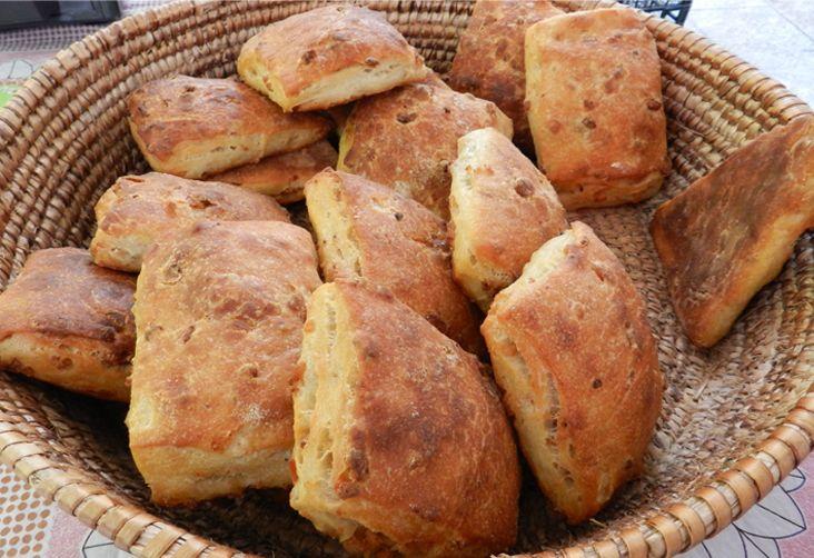 Pane con i ciccioli #bread #recipe #ricettedisardegna #sardegna #sardinia