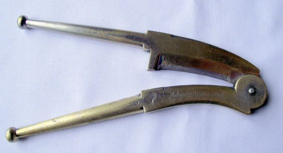 REDUCED Betel nut cutters from Jamnagar, India. Used on parcels of Areca nut and betel vine leaves plus other ingredients This Betel nut cutter originated in Jamnagar, which is a city in the Indian state of Gujarat, and they are usually called, incorrectly, Betel-nut cutters.