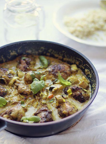 Kycklingklubbor i currysås med ingefära
