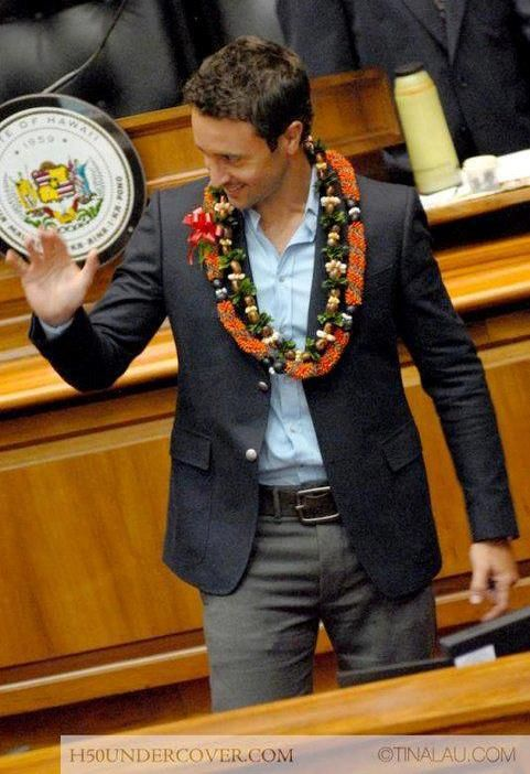 With this post we are taking you back 7 years ….. On 31 March 2011 just before the wrap up of the first season of Hawaii Five-0, the lawmakers of Hawaii honoured members of the show at the H…
