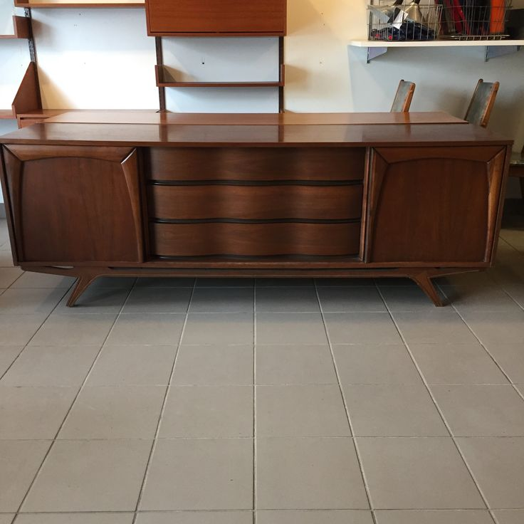 Mid-Century Modern - Commode 9 tiroirs avec panneaux