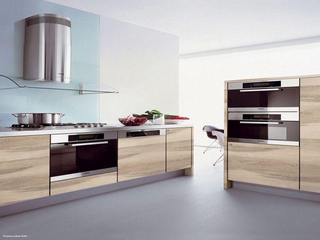 KoskiMel-sävy Smart Oak keittiössä