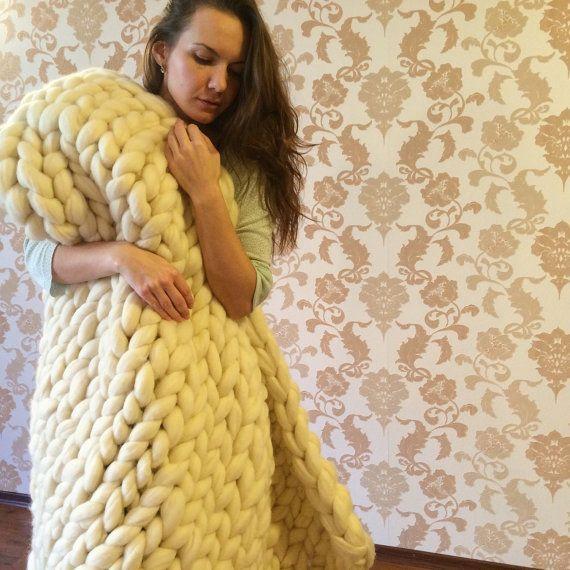 Super Chunky Blanket - Merino Wool - Wool Blanket - Hand Knitted Blanket - Grande punto - Chunky Blanket - Cozy blanket by  WowKnitAndCo