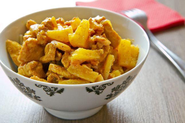 Spezzatino di pollo al curry e ananas.