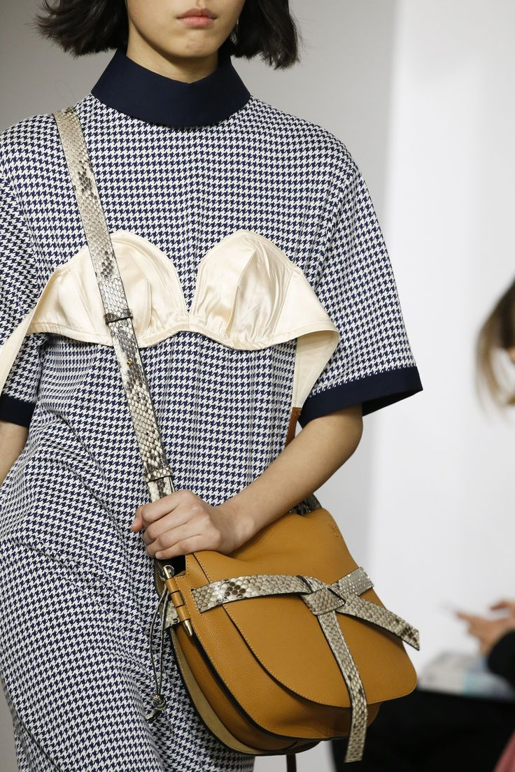 Loewe Fall 2018 Ready-to-Wear Collection - Vogue
