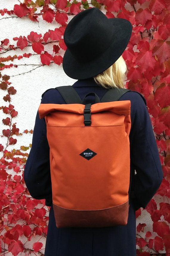 Rolltop Foxy backpack for urban cycling daily por BraasiIndustry
