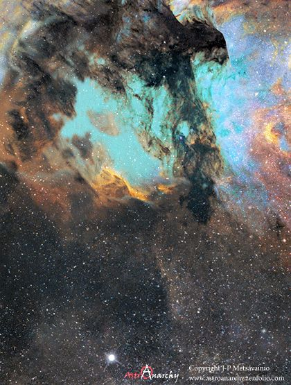 #Astronomy: Pelican Nebula - in 3D The #Pelican #Nebula can be found 2,000 light-years away in the realm of the another cosmic bird: the constellation Cygnus, the swan. Animation: J-P Metsavainio