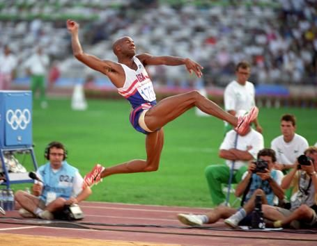 Long jump 8.95 meters by Mike Powell! A new World record at the Olympics!
