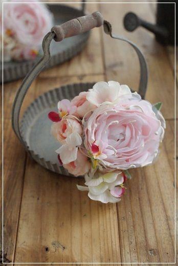 『【今日の贈花】春のコサージュは・・・』 http://ameblo.jp/flower-note/entry-11803043778.html