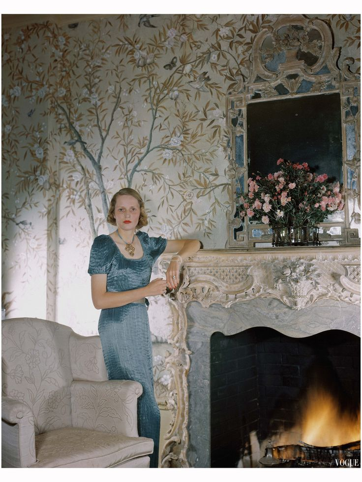 408 best wallpaper images on pinterest beautiful wallpaper mrs george h bostwick vogue 1941 sisterspd