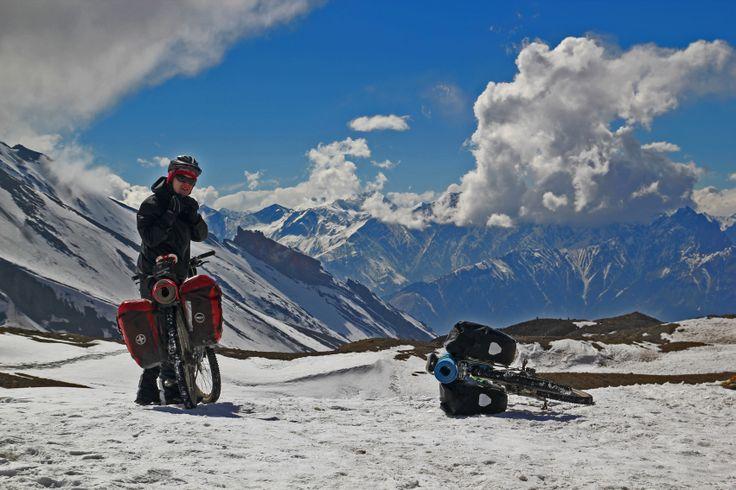 Cycling Annapurna Circuit.Nepal 2014 Szczyt przełęczy Thorung La 5419 mnpm. Po drugiej stronie magiczne królestwo Lo czyli Mustang!