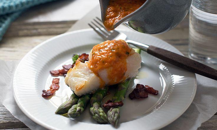 Paprikasaus smaker fantastisk til fisk – og spesielt til torsk og hvit fisk. Hemmeligheten i paprikasausen er å bruke grillet paprika!