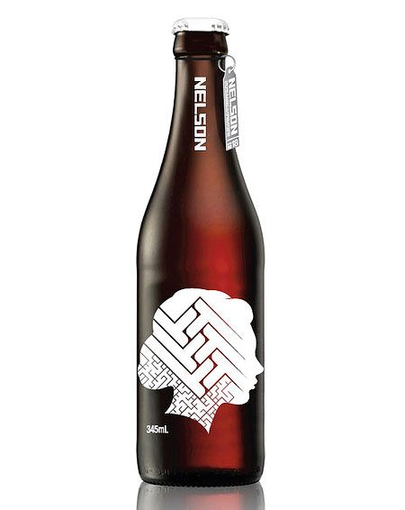 Really simple modern take on the beer label - gives a classy feel to the whole beer