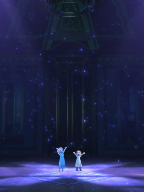 """This is amazing!"" Frozen - Princesses Elsa and Anna"