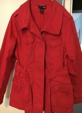 À vendre sur #vintedfrance ! http://www.vinted.fr/mode-femmes/autres-manteaux-and-vestes/25486344-trench-epais-intersaison-rouge-hm-taille-36-comme-neuf