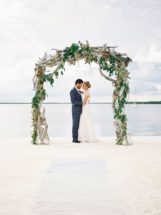 20 Beach Wedding Ceremony Decor Ideas | SouthBound Bride