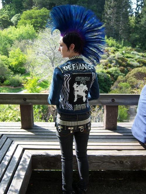 punk rock girl with blue hair #punk #fashion #mohawks
