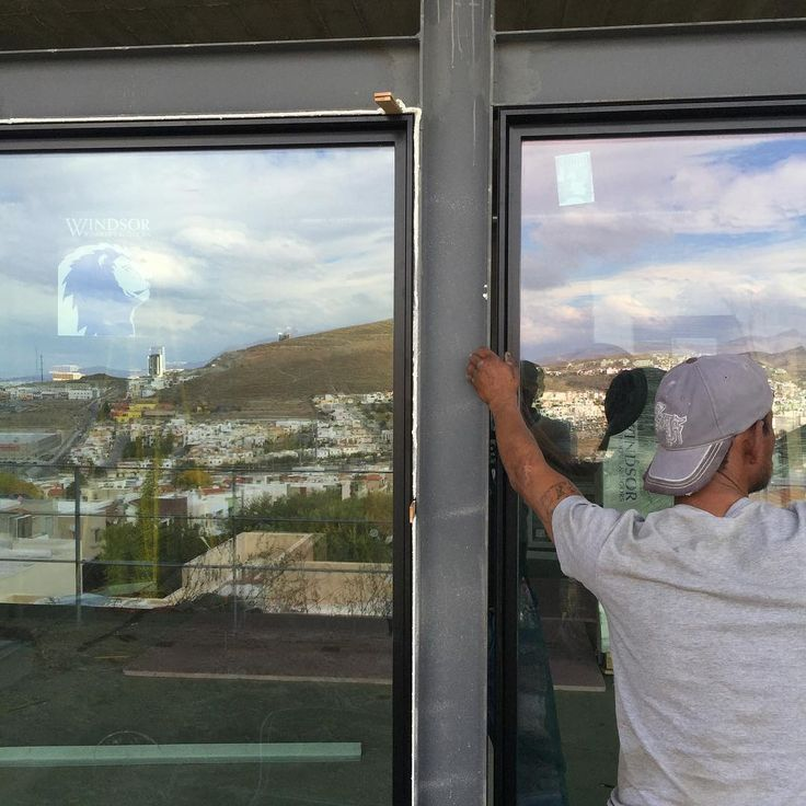 Windows: check ✔️ #garzaigaarquitectos #garzaiga #giateam #cuu #windsor #architecture #design #arquitectura #cimahouse #casacima #windsorwindows